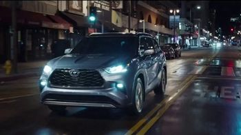 2020 Toyota Highlander TV Spot, 'Heroes' Featuring Cobie Smulders [T2]