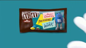 M&M's TV Spot, 'The Oscars: After Party' - Thumbnail 6