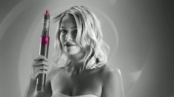 Dyson Airwrap Styler TV Spot, 'Set Curls: Engineered for Different Hair Types'