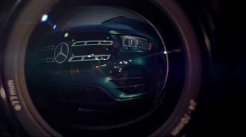 Mercedes-Benz TV Spot, 'Hollywood's Pinnacle from the Pinnacle of SUVs' [T1] - Thumbnail 2