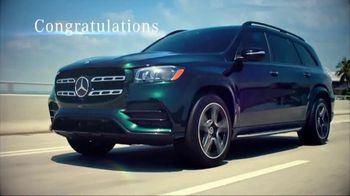 Mercedes-Benz TV Spot, 'Hollywood's Pinnacle from the Pinnacle of SUVs' [T1] - Thumbnail 3