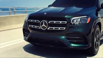 Mercedes-Benz TV Spot, 'Hollywood's Pinnacle from the Pinnacle of SUVs' [T1] - Thumbnail 4