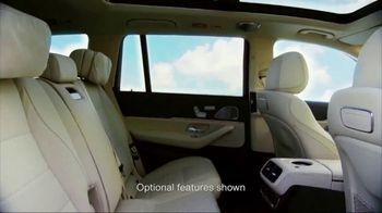 Mercedes-Benz TV Spot, 'Hollywood's Pinnacle from the Pinnacle of SUVs' [T1] - Thumbnail 7