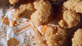 Popeyes $6 Buttermilk Biscuit Shrimp TV Spot, 'Km9000' - Thumbnail 3
