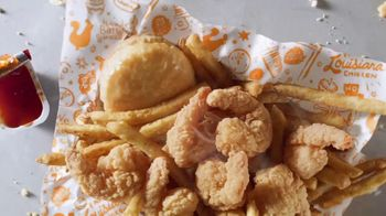 Popeyes $6 Buttermilk Biscuit Shrimp TV Spot, 'Daymdrops' - Thumbnail 4