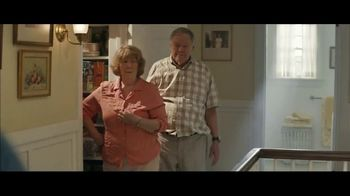 Downy WrinkleGuard TV Spot, 'Guilty Grandparents: Spray & Dryer Sheets' - Thumbnail 5