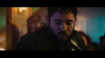 Sprint TV Spot, 'Roadside Bar Galaxy: Galaxy S10' con Prince Royce [Spanish] - Thumbnail 6