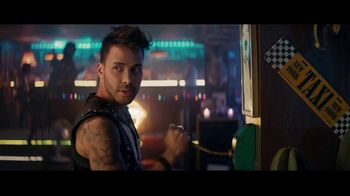 Sprint TV Spot, 'Roadside Bar Galaxy: Galaxy S10' con Prince Royce [Spanish] - Thumbnail 7