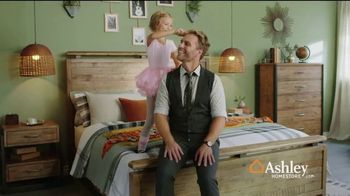 Ashley HomeStore New Year's Sale TV Spot, 'Welcome in the Year: Recliners, Sofa, Dining & Beds' Song by Midnight Riot - Thumbnail 6