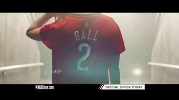 NBA Store TV Spot, 'Holiday Offer: Pelicans and Nuggets' - Thumbnail 7