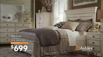 Ashley HomeStore New Year's Sale TV Spot, 'Save on Hot Buys' Song by Midnight Riot - Thumbnail 3