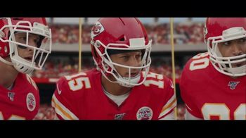 DIRECTV NFL Sunday Ticket TV Spot, 'A Better Way: Team Huddle: Holiday Offer' Featuring Patrick Mahomes - Thumbnail 2