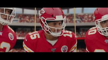 DIRECTV NFL Sunday Ticket TV Spot, 'A Better Way: Team Huddle: Holiday Offer' Featuring Patrick Mahomes - Thumbnail 4