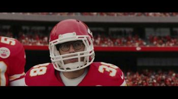DIRECTV NFL Sunday Ticket TV Spot, 'A Better Way: Team Huddle: Holiday Offer' Featuring Patrick Mahomes - Thumbnail 6