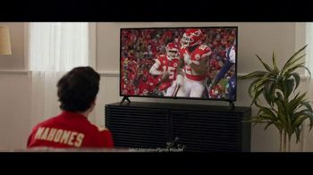 DIRECTV NFL Sunday Ticket TV Spot, 'A Better Way: Team Huddle: Holiday Offer' Featuring Patrick Mahomes - Thumbnail 8
