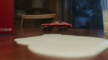 American Family Insurance TV Spot, 'Dream Car' Song by Daryl Hall & John Oates - Thumbnail 7