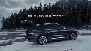 2020 Lincoln Aviator TV Spot, 'Warm Escape' Featuring Matthew McConaughey [T1] - Thumbnail 10