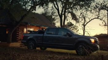 Ford Truck Month TV Spot, 'F-150: al aire libre' [Spanish] [T2] - Thumbnail 3