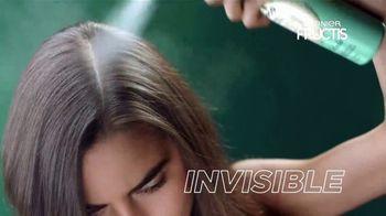 Garnier Fructis Invisible Dry Shampoo TV Spot, 'Sin residuos' canción de Bruno Mars [Spanish] - Thumbnail 5