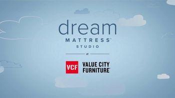 Value City Furniture Dream Mattress Studio Presidents Day Sale TV Spot, 'Doorbuster Deals' - Thumbnail 10