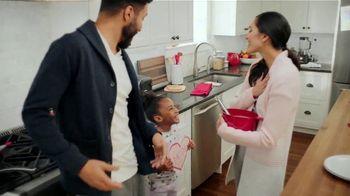 Kohl's TV Spot, 'Valentine's Day Gifts: Sweet Savings' - Thumbnail 2