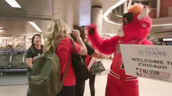 Hilton Chicago O'Hare Airport TV Spot, 'Benny's Guide'