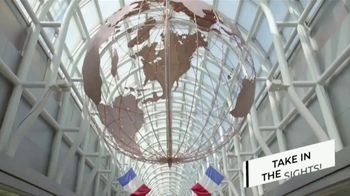 Hilton Chicago O'Hare Airport TV Spot, 'Benny's Guide' - Thumbnail 3