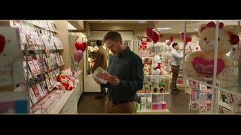 Jared TV Spot, 'Valentine's Day: Card Aisle Serenade' - Thumbnail 1