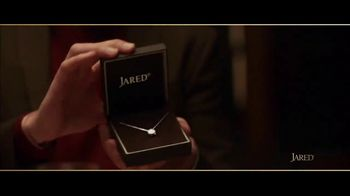 Jared TV Spot, 'Valentine's Day: Card Aisle Serenade' - Thumbnail 7