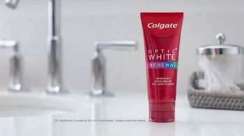 Colgate Optic White Renewal TV Spot, 'Eliminar 10 años' [Spanish] - Thumbnail 2
