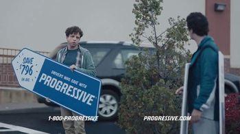 Progressive TV Spot, 'Sign Spinner: Competitor' - Thumbnail 9