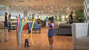 Bob's Discount Furniture Bobfest 2020 TV Spot, 'Balloon Chair' - Thumbnail 1