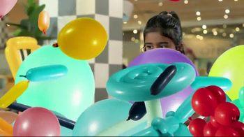 Bob's Discount Furniture Bobfest 2020 TV Spot, 'Balloon Chair' - Thumbnail 8