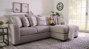 Bob's Discount Furniture Bobfest 2020 TV Spot, 'Cottage Chic Sectional' - Thumbnail 2