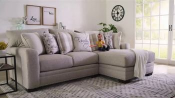 Bob's Discount Furniture Bobfest 2020 TV Spot, 'Cottage Chic Sectional' - Thumbnail 3