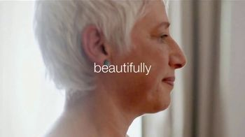 Dove Deep Moisture Body Wash TV Spot, 'Skin Stories' - Thumbnail 9