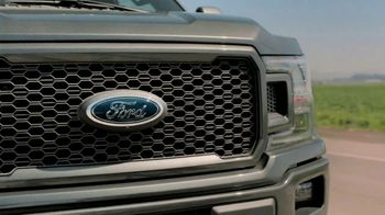 2020 Ford F-150 TV Spot, 'Tres princesas: cámara de respaldo' [Spanish] [T1] - Thumbnail 7