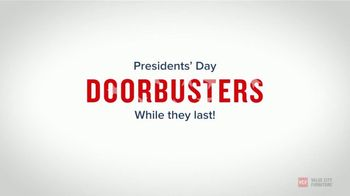 Value City Furniture Presidents Day Sale TV Spot, 'Doorbuster Deals: Free Ottomans' - Thumbnail 6