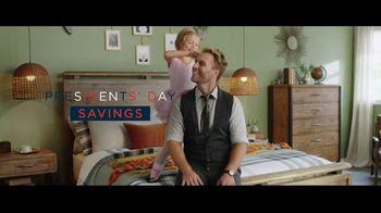 Ashley HomeStore Presidents Day Savings TV Spot, 'Onward: Save up to 30 Percent' - Thumbnail 4