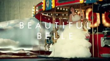Estee Lauder Beautiful Belle TV Spot, 'Holidays: envoltura de regalo gratis' con Grace Elizabeth [Spanish] - Thumbnail 1