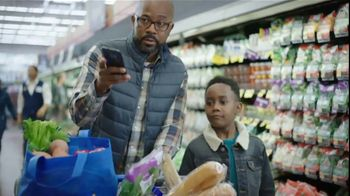 Walmart TV Spot, 'Thanksgiving Newborn' - Thumbnail 3