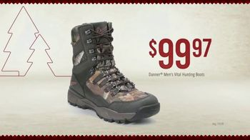 Bass Pro Shops Holiday Kickoff Sale TV Spot, 'Fleece Throws, Knives and Boots' - Thumbnail 9