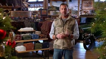 Bass Pro Shops Holiday Kickoff Sale TV Spot, 'Fleece Throws, Knives and Boots' - Thumbnail 4