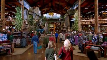 Bass Pro Shops Holiday Kickoff Sale TV Spot, 'Fleece Throws, Knives and Boots' - Thumbnail 5