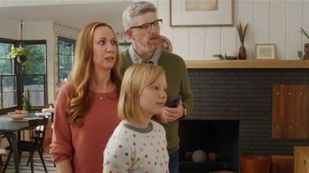 XFINITY TV Spot, 'Family Heirloom: $39.99' Featuring Amy Poehler - Thumbnail 5