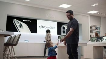 XFINITY Mobile Beyond Black Friday TV Spot, 'First Words: iPhone 11 Pro' Song by Screamin' Jay Hawki - Thumbnail 5