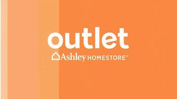 Ashley HomeStore Outlet TV Spot, 'Black Friday: Great Deals and Next Day Delivery' - Thumbnail 2