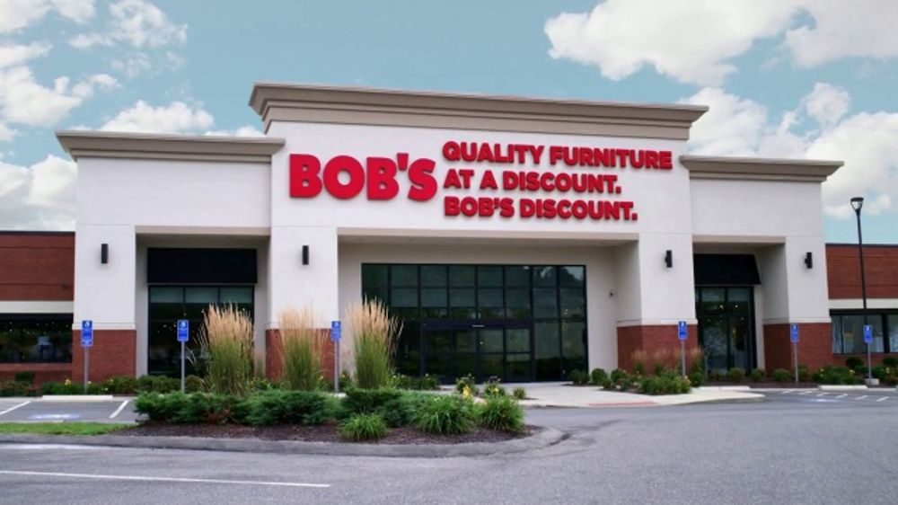 Bob's Discount Furniture TV Commercial, 'Summit Dining Set'