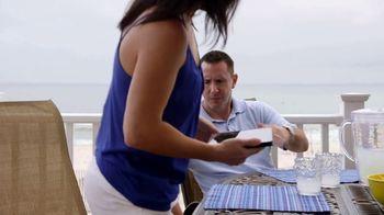 VRBO TV Spot, 'Beachfront Bargain Hunt: Tablet' - Thumbnail 4