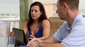 VRBO TV Spot, 'Beachfront Bargain Hunt: Tablet' - Thumbnail 7